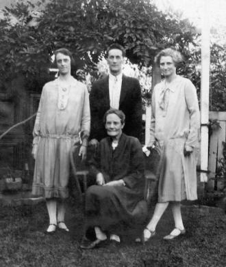 Doris, Horace & Cherry05 (1)