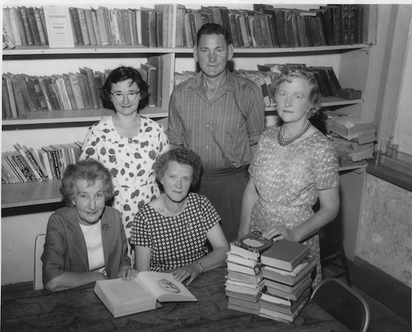 POOO55 Stanley Library Committee 1966003